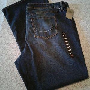 🌺 NWT Torrid Source of Wisdom Stretch Jeans